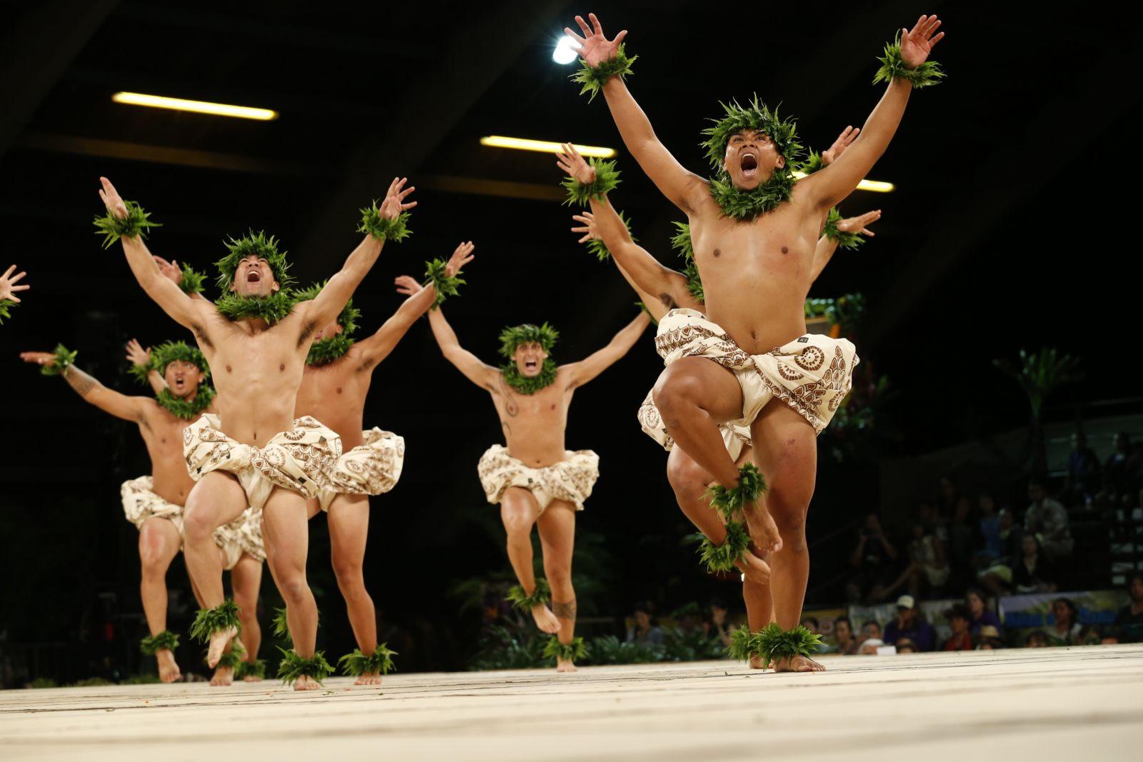 Kumu Hula: Chinky Māhoe